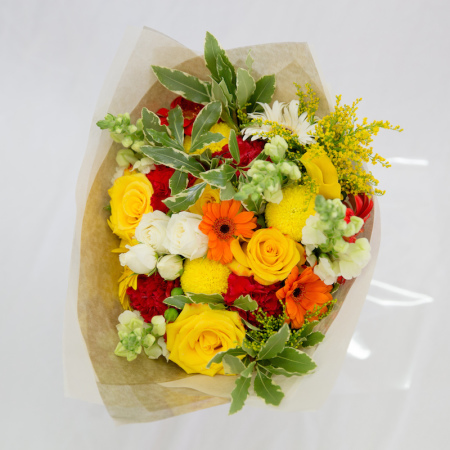 Mixed colour bouquet
