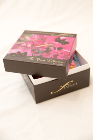 the opera chocolates collection box 250g